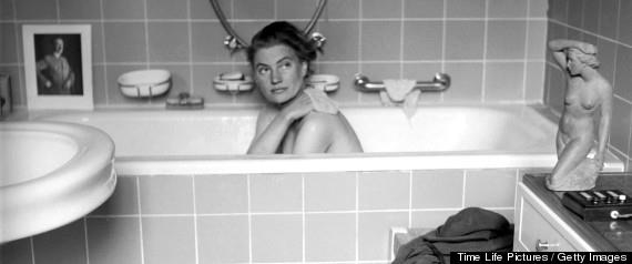 Lee Miller in Hitlers bathtub, Prinzregentenplatz, Munich